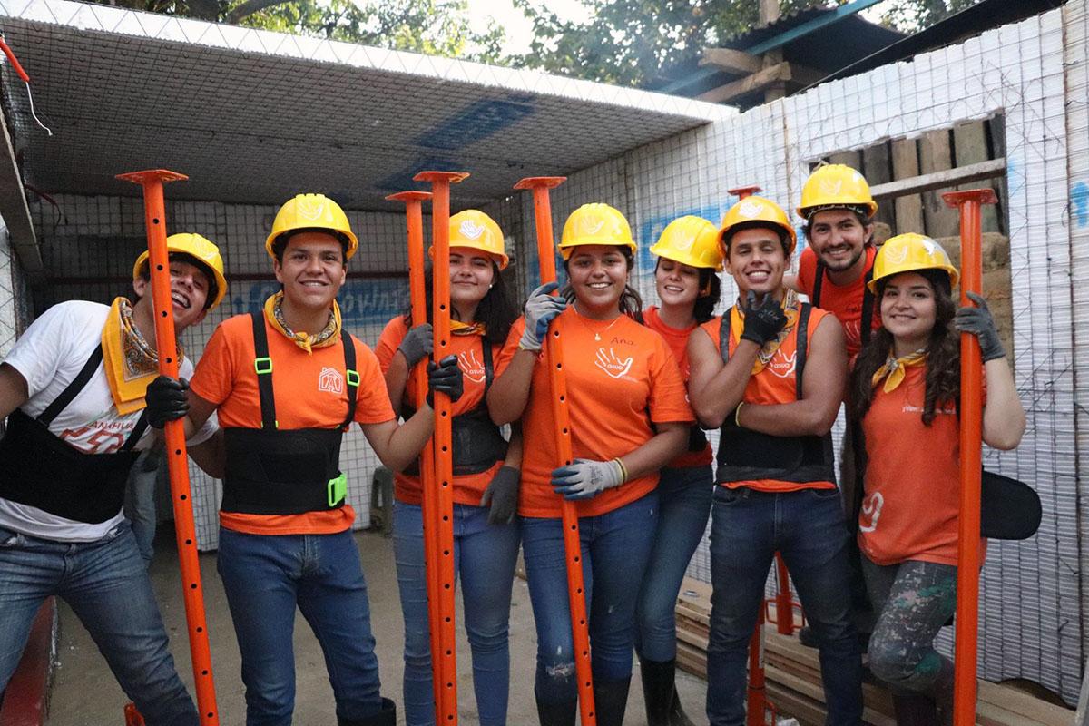 4 / 10 - ASUA Construye entrega casas en San Antonio Alpanocan