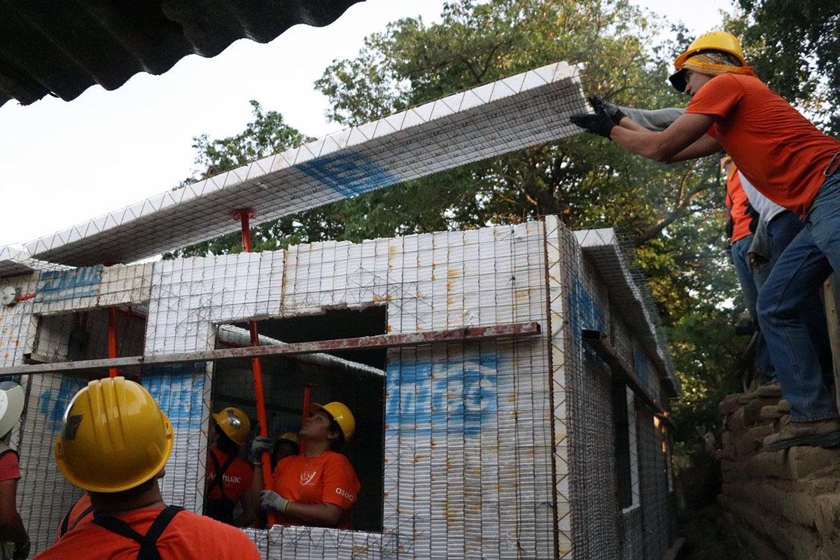 9 / 10 - ASUA Construye entrega casas en San Antonio Alpanocan
