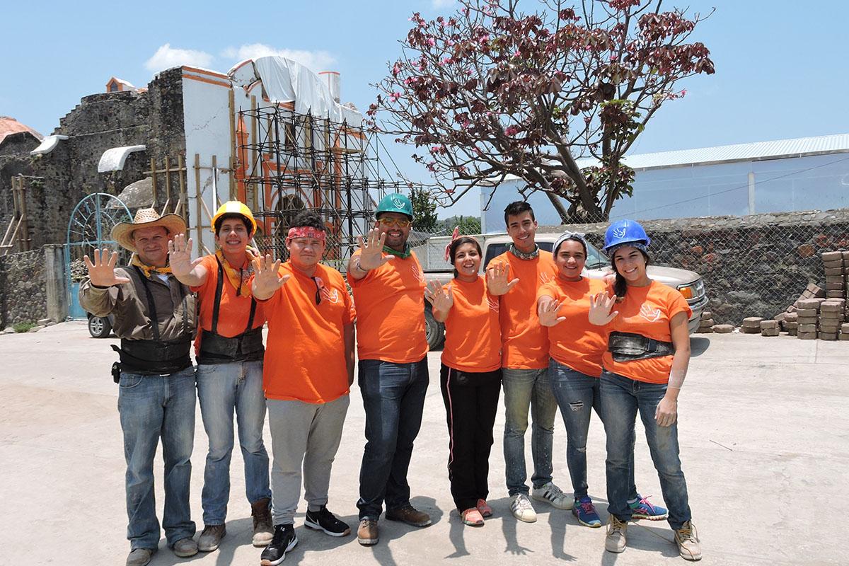 10 / 10 - ASUA Construye entrega casas en San Antonio Alpanocan