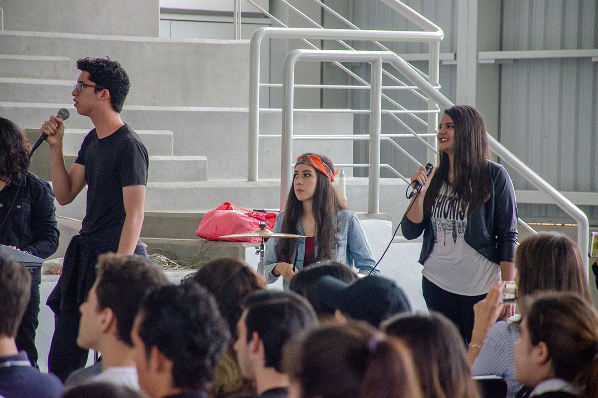 Alumnos de Cuarto Semestre presentaron la obra La Era Del Rock