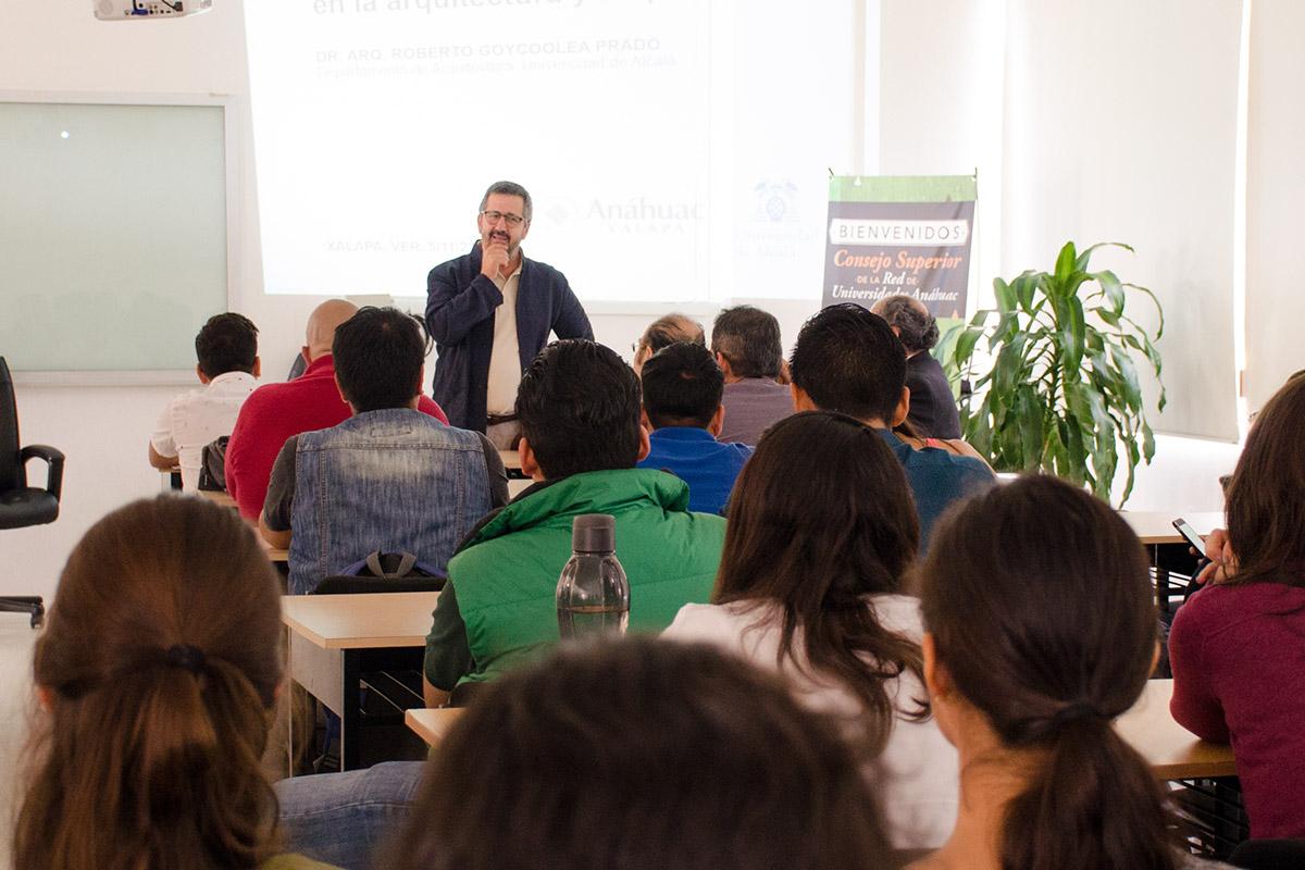 4 / 4 - Visita del Arq. Roberto Goycoolea de la Universidad de Alcalá de Henares