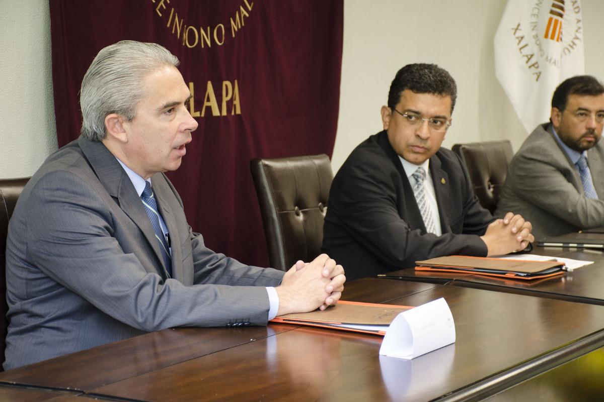 2 / 4 - Firma de convenio de colaboración con CANACO SERVYTUR Xalapa