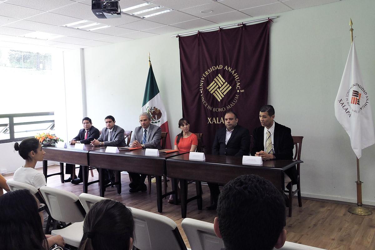 2 / 4 - Se firma convenio con Rotoplas, empresa internacional de origen mexicano