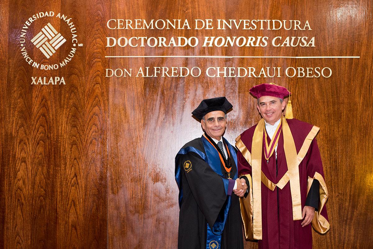 10 / 11 - La UAX otorga el primer Doctorado Honoris Causa al Excmo. Sr. Alfredo Chedraui Obeso