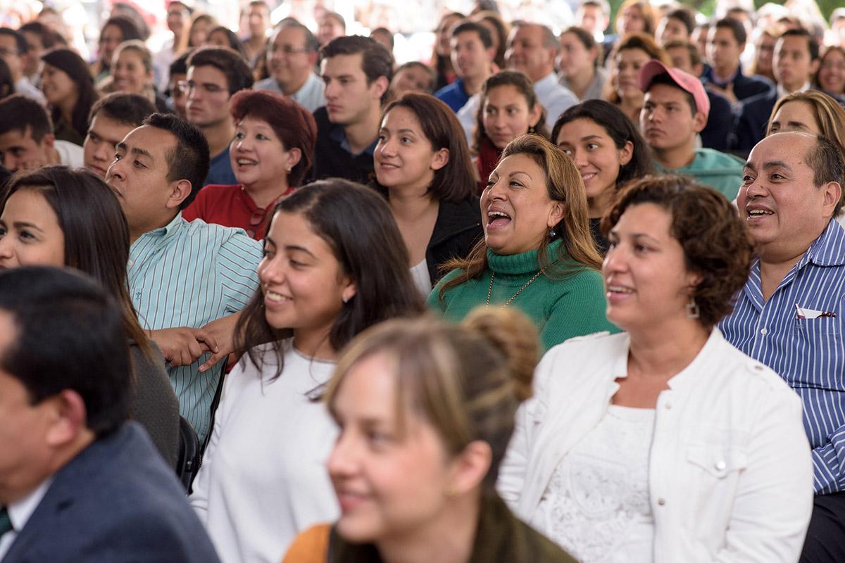 11 / 16 - Pedro Ferriz de Con imparte conferencia en la Anáhuac Xalapa