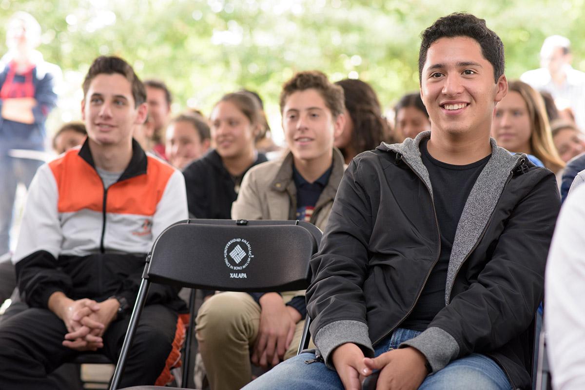 14 / 16 - Pedro Ferriz de Con imparte conferencia en la Anáhuac Xalapa