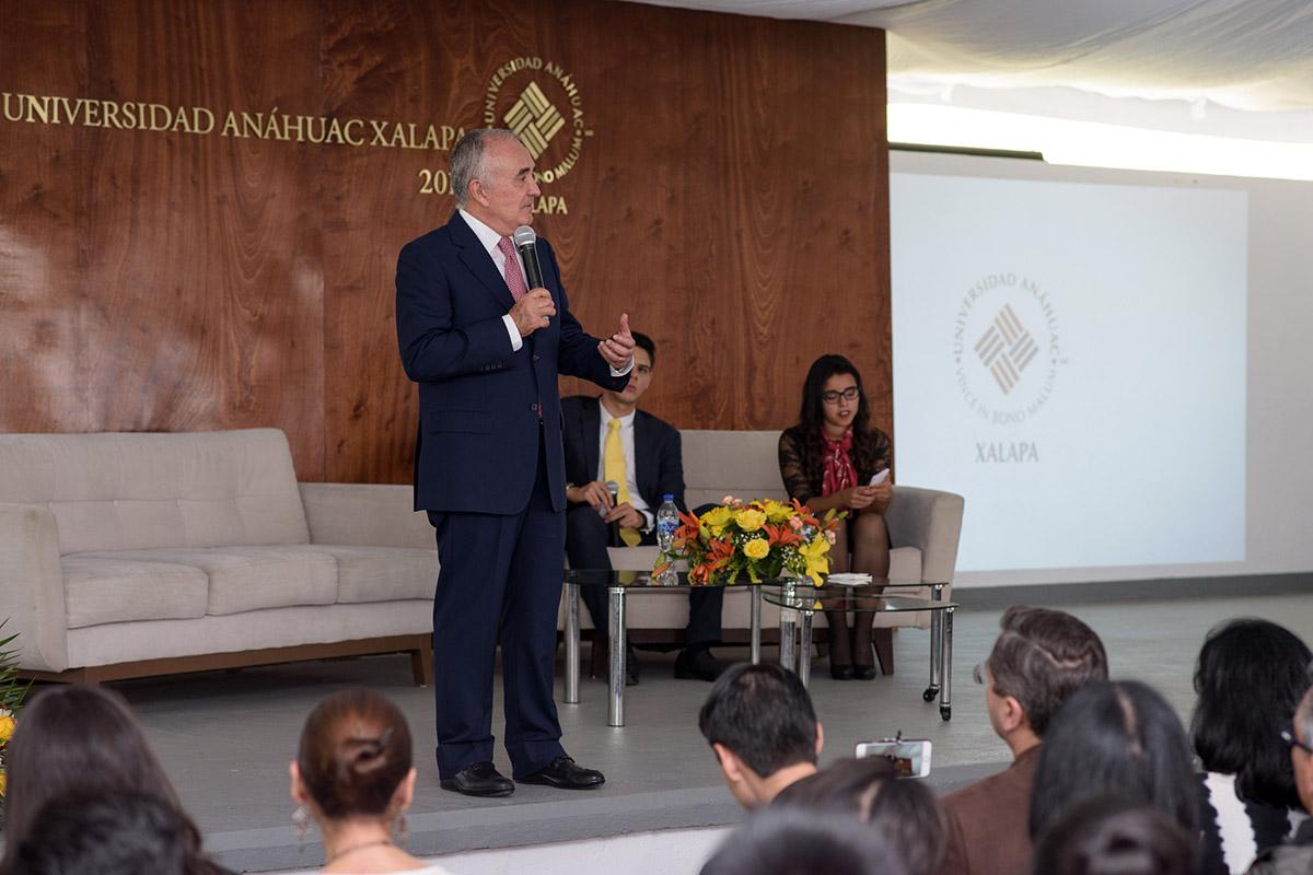 15 / 16 - Pedro Ferriz de Con imparte conferencia en la Anáhuac Xalapa
