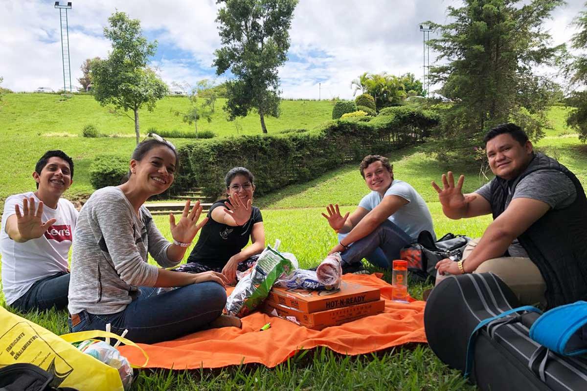 5 / 5 - Pícnic de ASUA para los nuevos miembros.