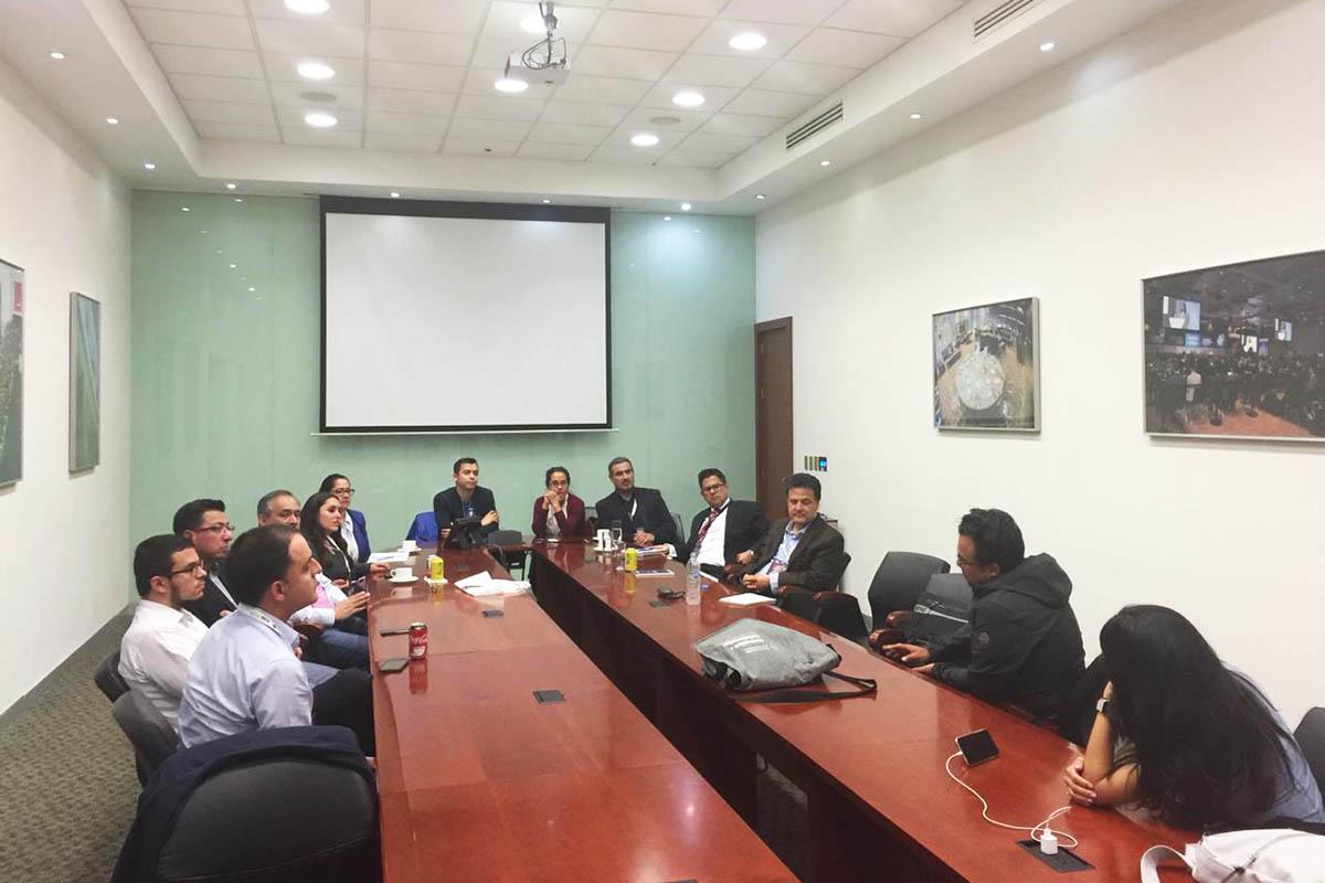 2 / 3 - Mtro. Rodrigo Correa San Martín en la reunión Get Together.