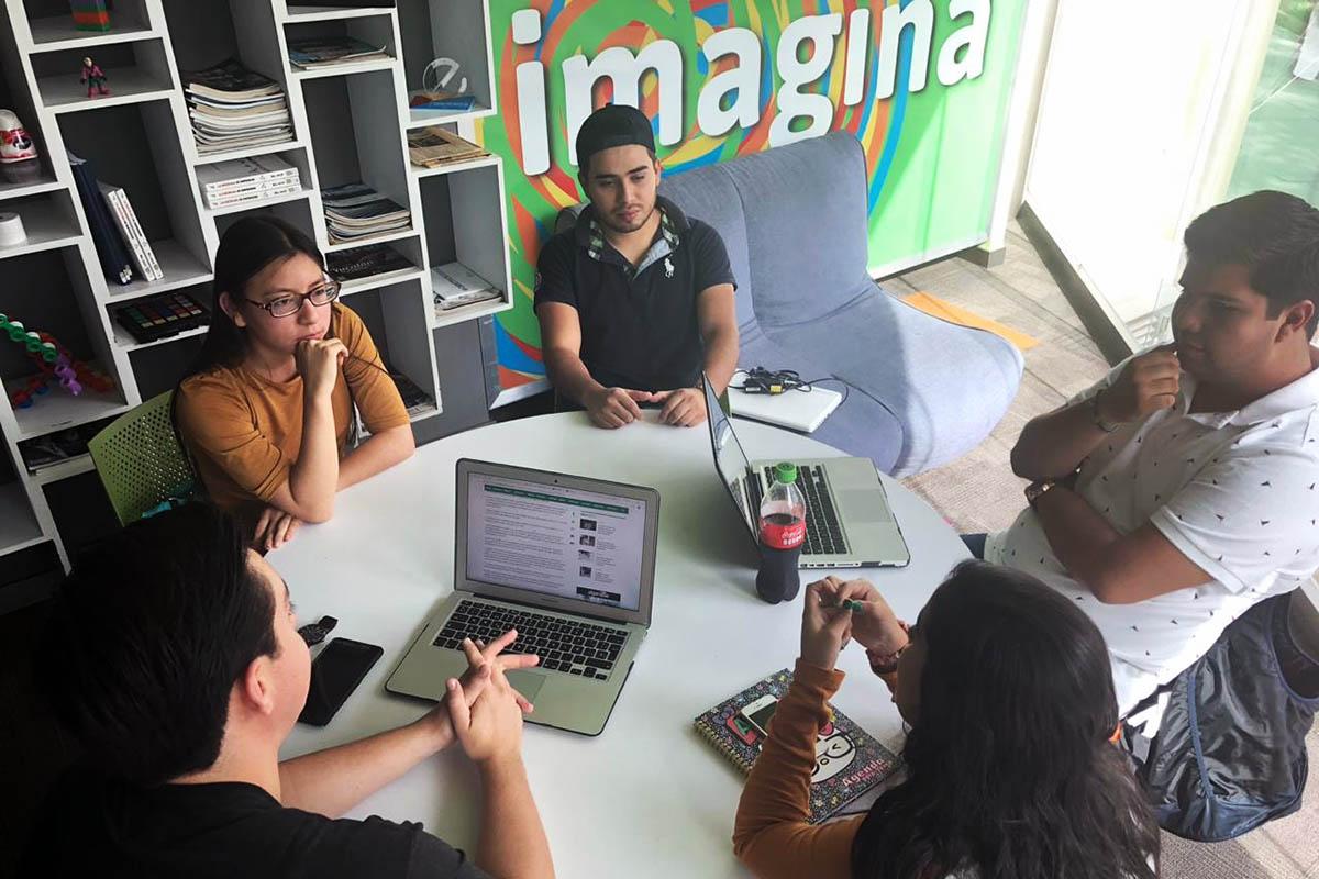 1 / 3 - Concentrados en generar una propuesta de emprendimiento integral.