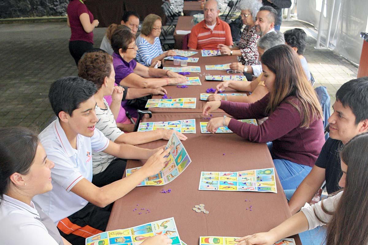4 / 11 - Convivencia con juegos de mesa para adultos mayores.