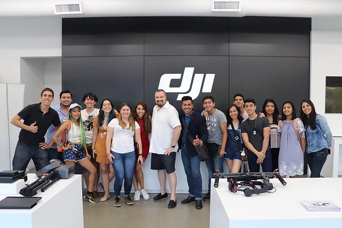 2 / 4 - DJI es un distribuidor de tecnología especializado en drones.