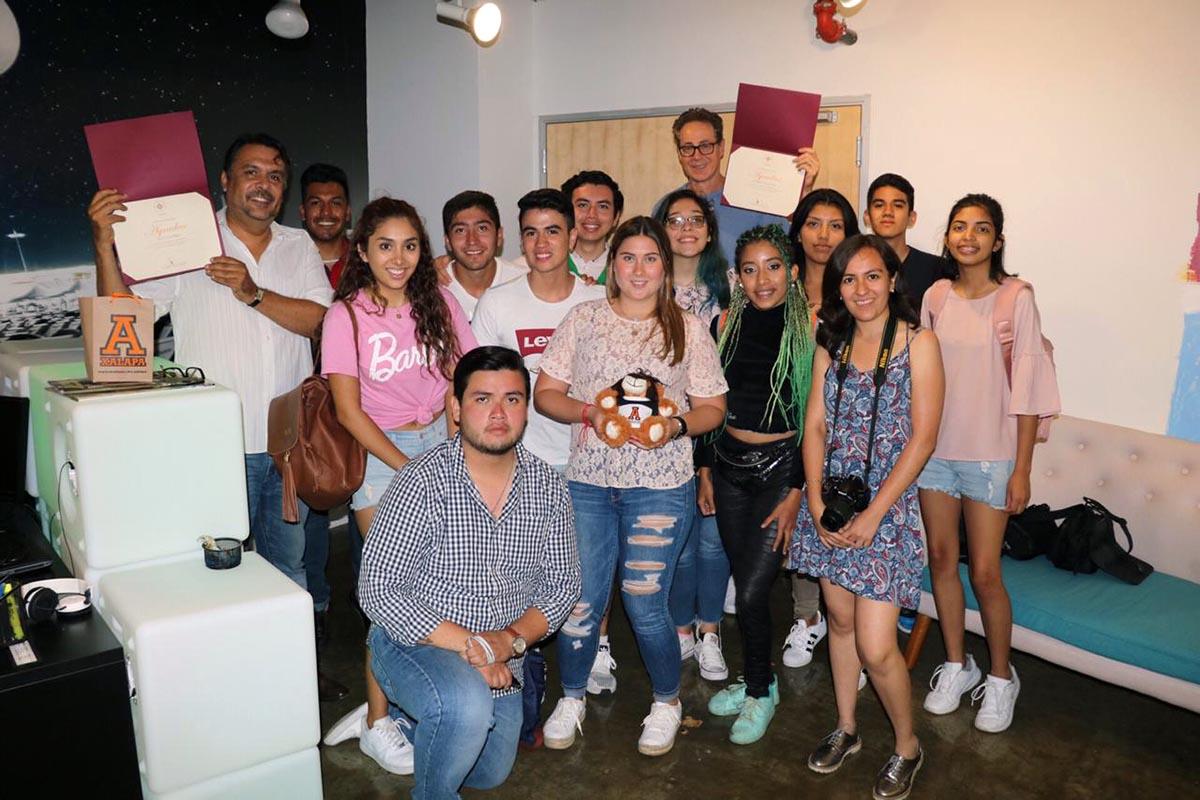 4 / 4 - Plática con Alex Flores, productor y manager de Shortline Entertaiment.