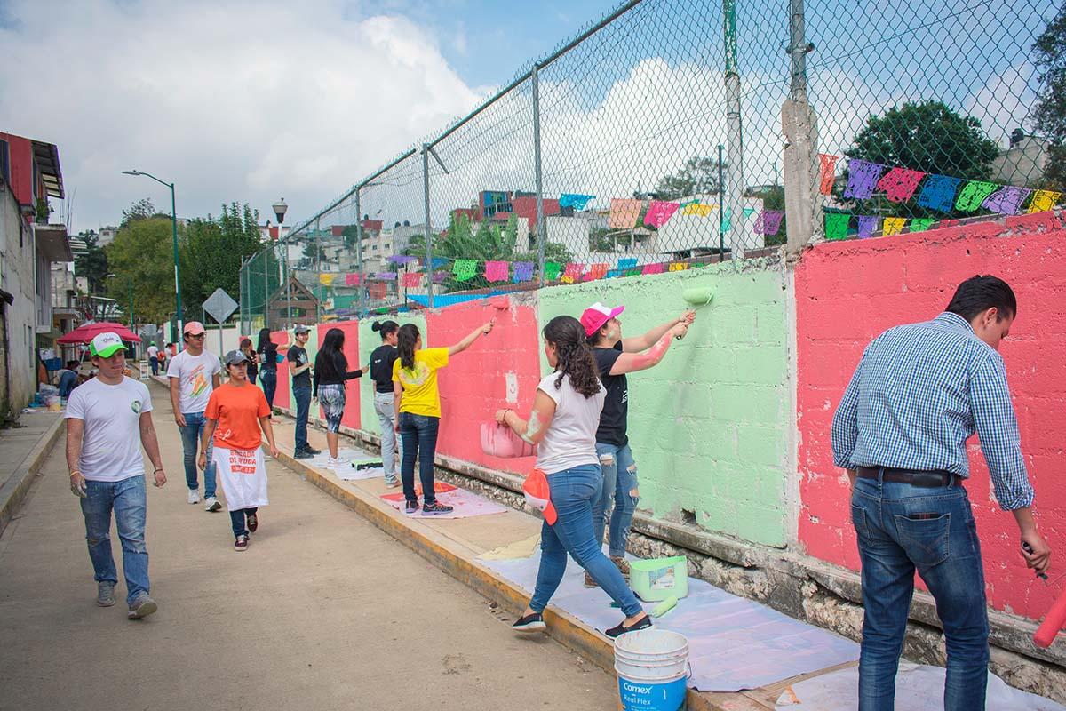 6 / 6 - Entusiasmo y participación generosa de los jóvenes estudiantes.