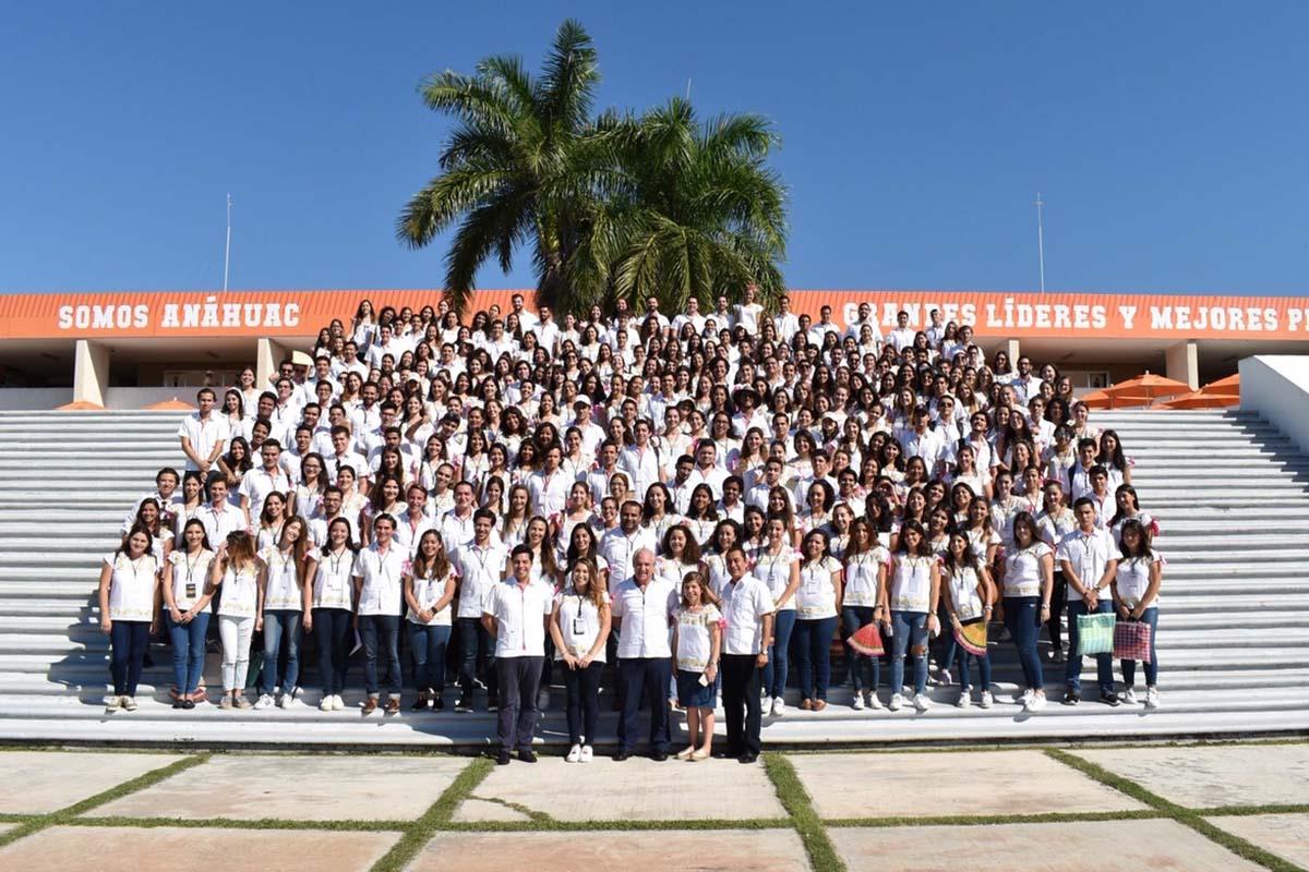 2 / 8 - Más de 300 asistentes provenientes de todos los campus de la Red Anáhuac.