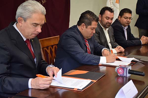 Firma de convenio con Grupo Avanradio