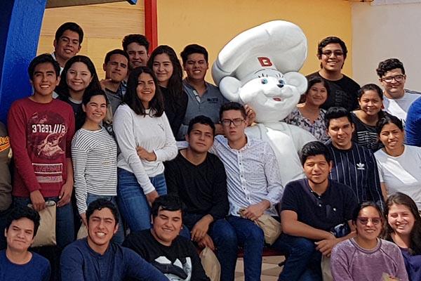 Escuela de Ingeniería visita la planta de Bimbo Veracruz