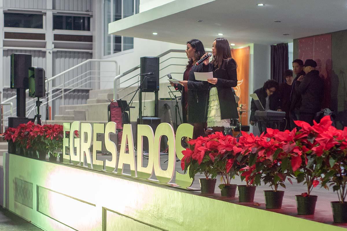 1 / 29 - Brindis Navideño de Egresados 2018 Back to the Beginning