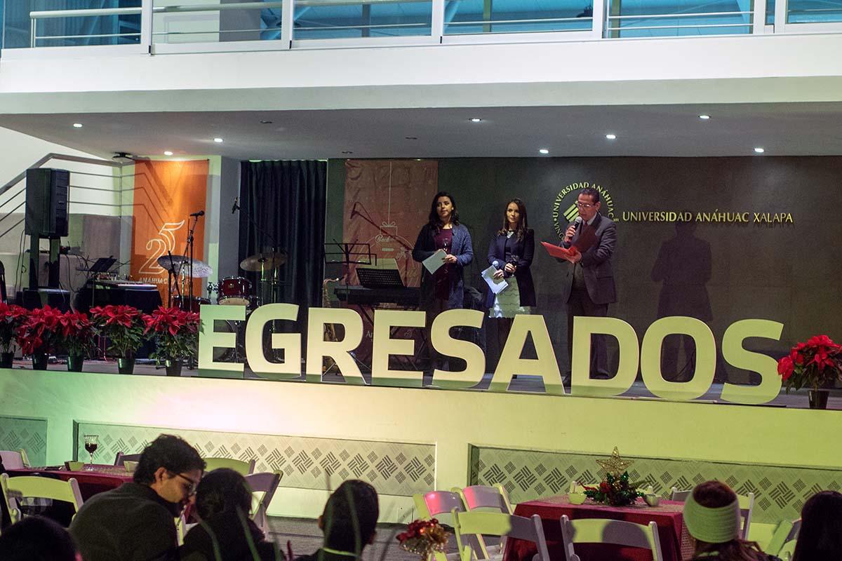 3 / 29 - Brindis Navideño de Egresados 2018 Back to the Beginning