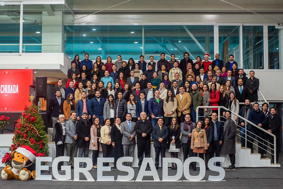 15 / 29 - Brindis Navideño de Egresados 2018 Back to the Beginning