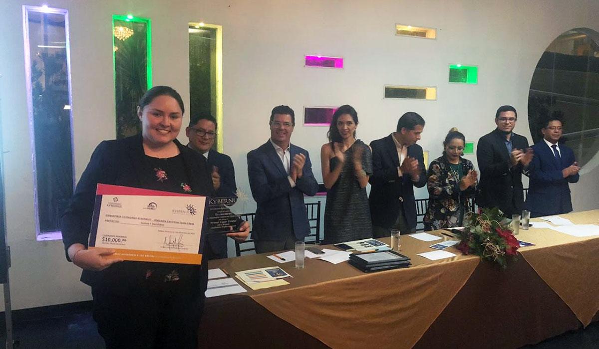 1 / 2 - La Universidad Anáhuac Xalapa presente en la entrega del Premio Ciudadano Kybernus Veracruz 2018