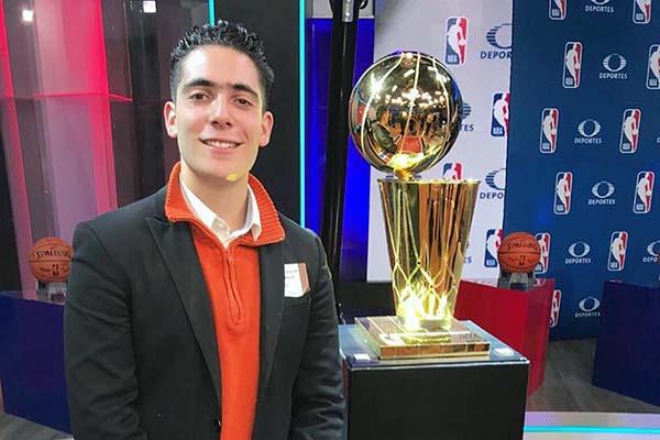 Alumno de Comunicación en los NBA Mexico City Games 2018