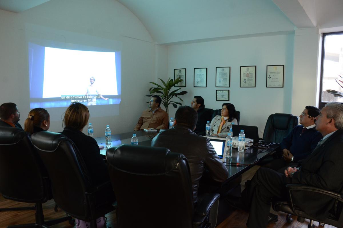 1 / 4 - El productor y cineasta Adolfo Franco visita la UAX