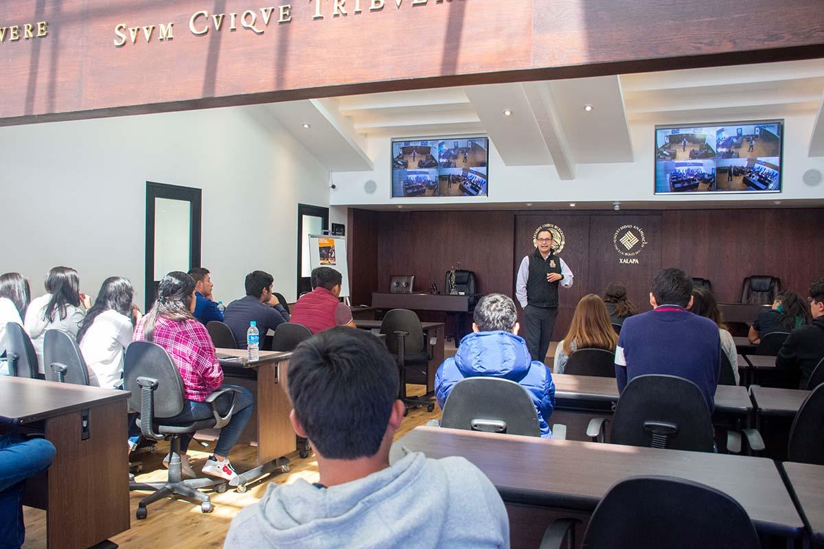 4 / 13 - Calurosa Bienvenida a Estudiantes que se integran en este Invierno
