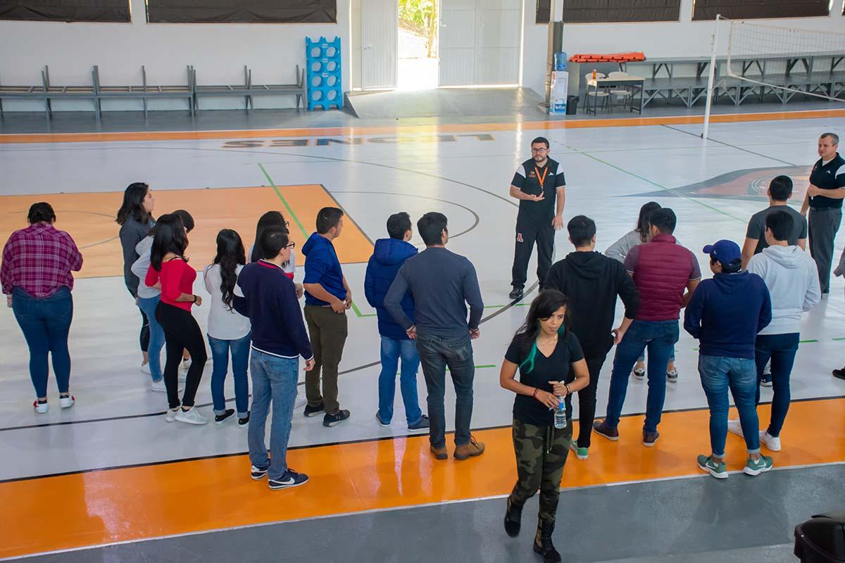 5 / 13 - Calurosa Bienvenida a Estudiantes que se integran en este Invierno