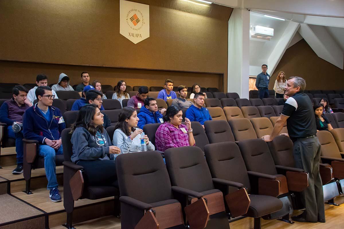6 / 13 - Calurosa Bienvenida a Estudiantes que se integran en este Invierno