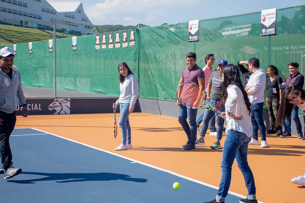 12 / 13 - Calurosa Bienvenida a Estudiantes que se integran en este Invierno