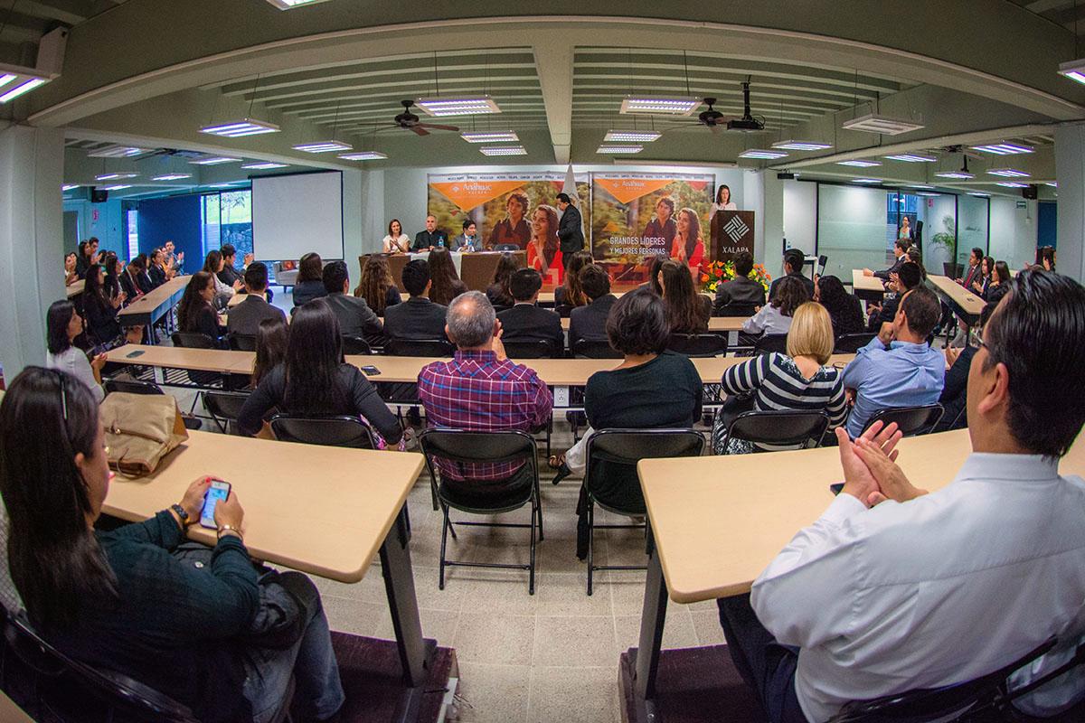 2 / 24 - Ceremonia de Fin de Cursos y Premiación anual del Bachillerato Anáhuac Xalapa