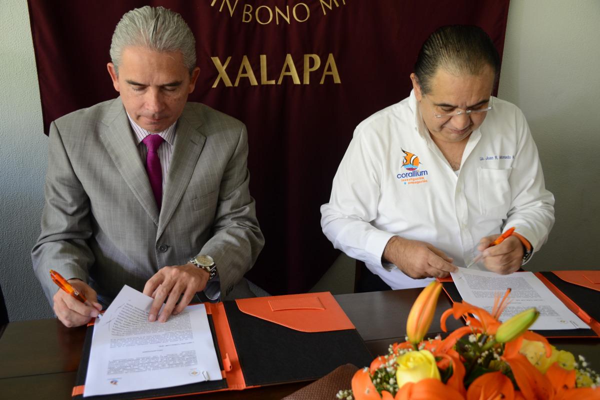 3 / 4 - Corallium y Anáhuac firman convenio en pro del Desarrollo Sustentable