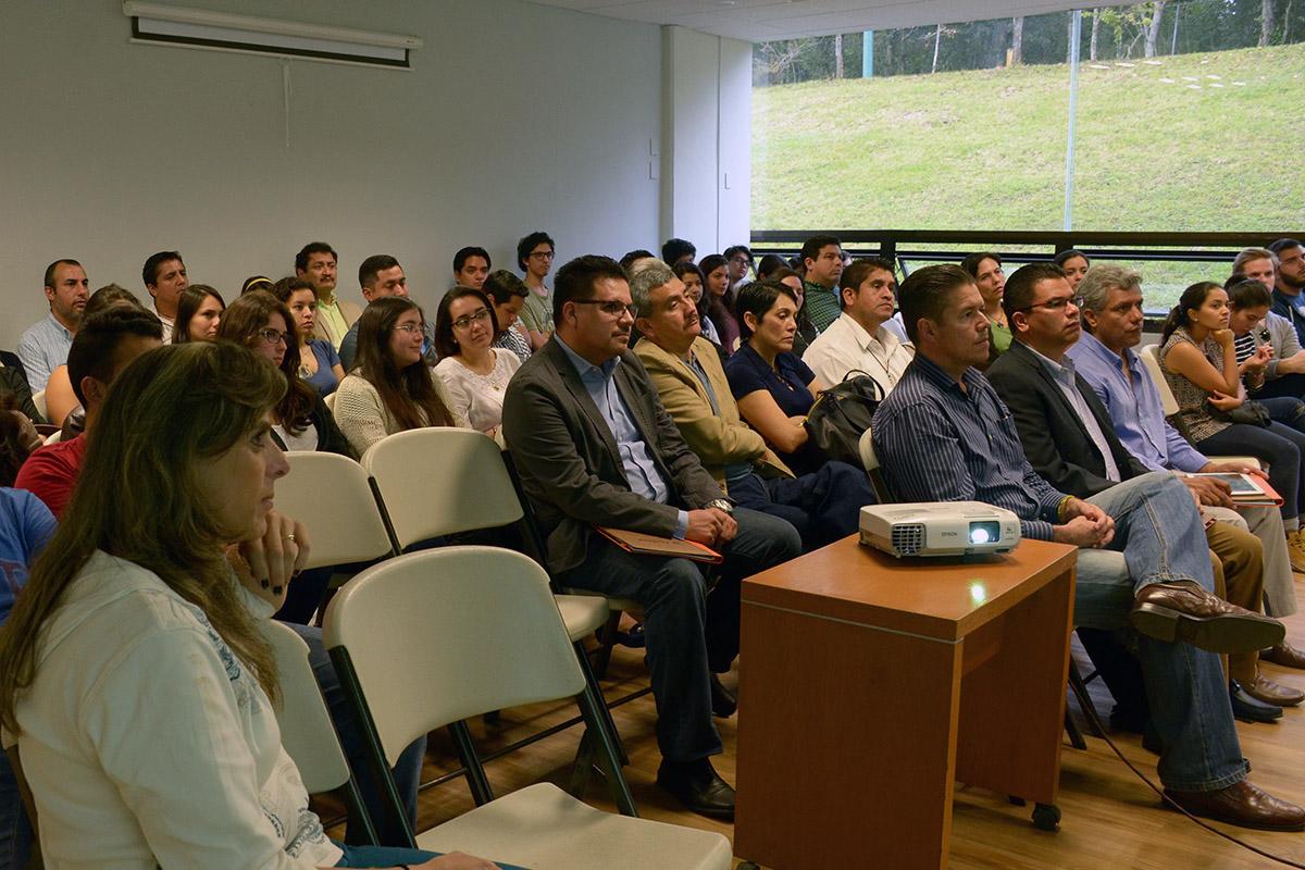 3 / 3 - Gerente general de Invivienda imparte conferencia magistral