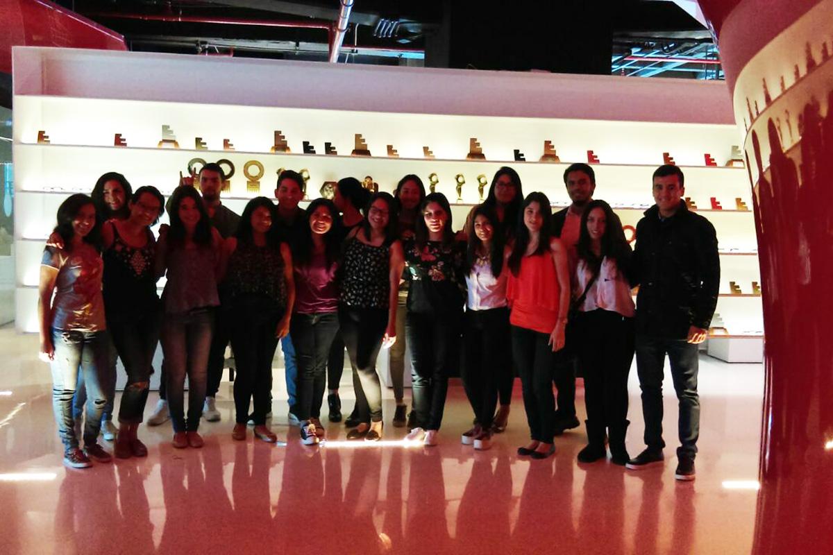 1 / 4 - Visita a la agencia Leo Burnett y al periódico Reforma