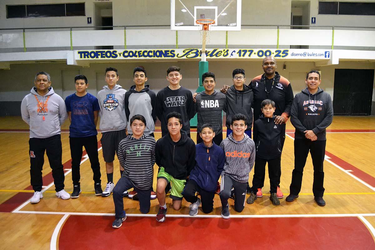 4 / 6 - Leones Anáhuac visitó Ensenada, Baja California, en busca de Refuerzos