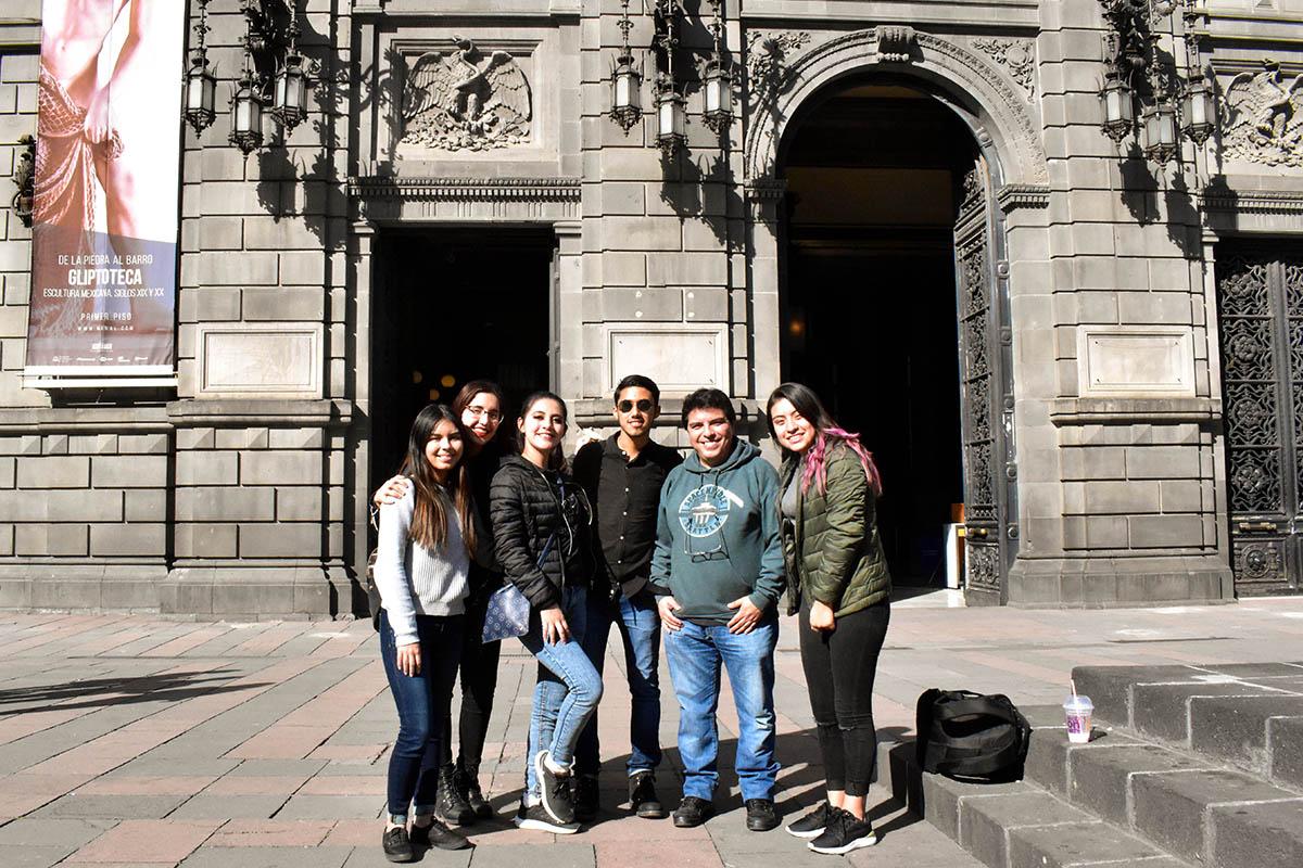 1 / 3 - Viaje de aprendizaje de Alumnos de Comunicación a la CDMX