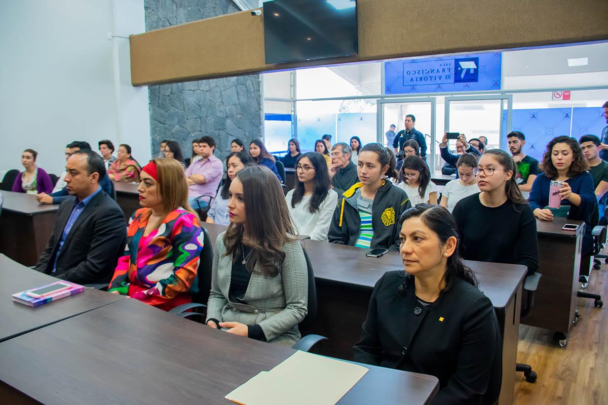 1 / 6 - Alumnos, profesores y directivos parte de la Comunidad Anáhuac.