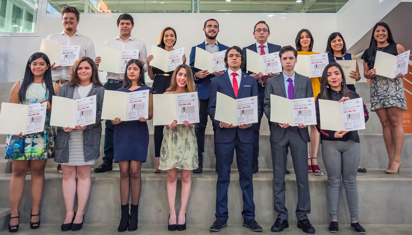 2 / 20 - Entrega de Premios Lux et Veritas - Galería