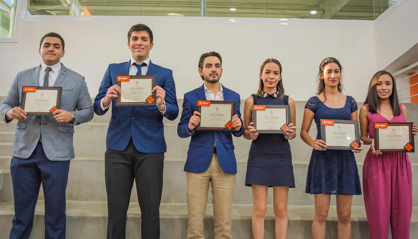 9 / 20 - Entrega de Premios Lux et Veritas - Galería