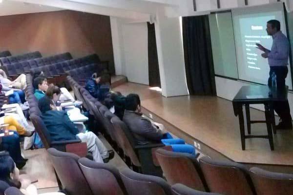 Conferencia de la Escuela de Psicología sobre Trastorno Obsesivo Compulsivo