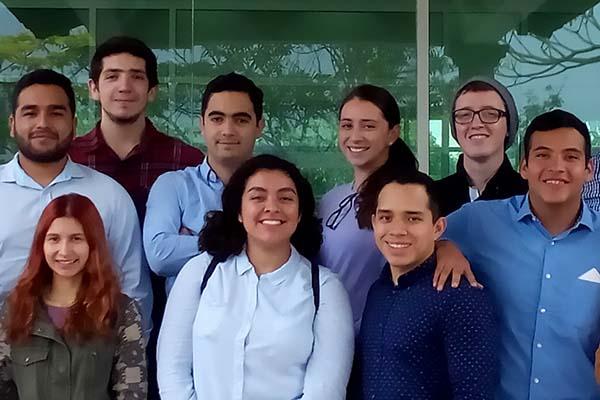 Alumnos de Administración visitan la Planta de Cementos Moctezuma