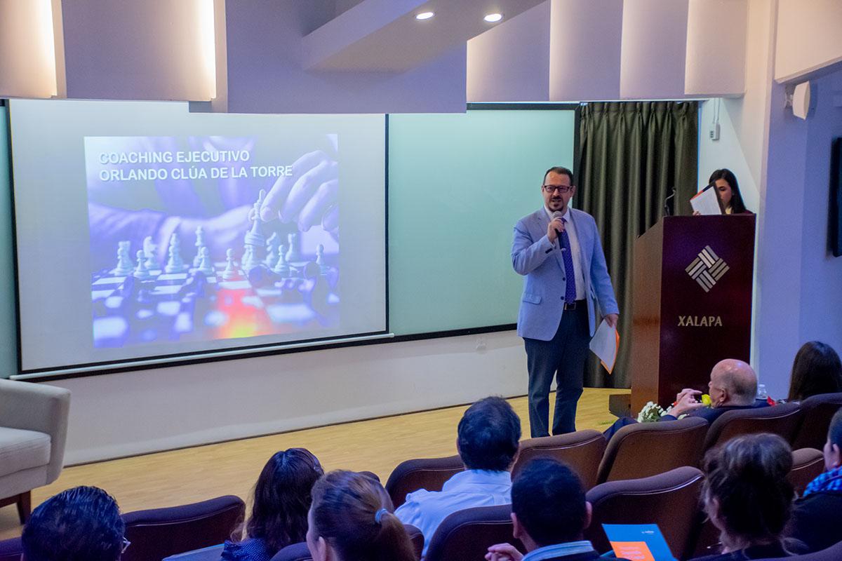 Mtro. Gerardo Hernández Márquez, Coordinador de la Escuela de Psicología.