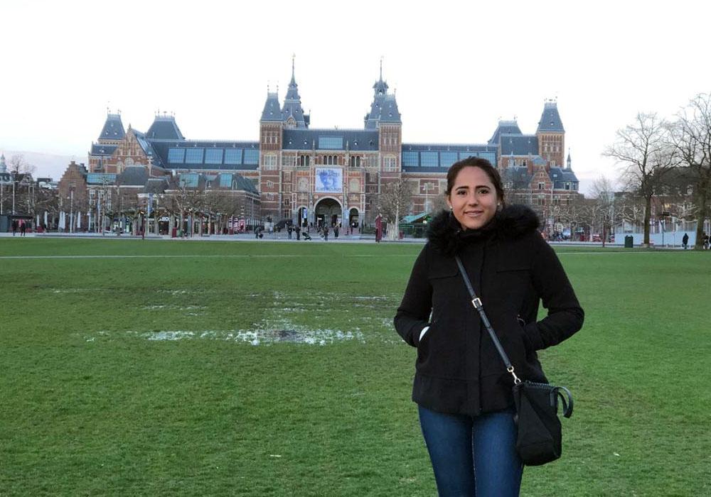 1 / 5 - María Fernanda Carpenter, alumna de 6.o semestre de Derecho.