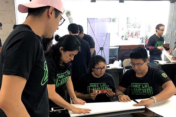 Alumnos de Administración participan en Emprendimiento Social