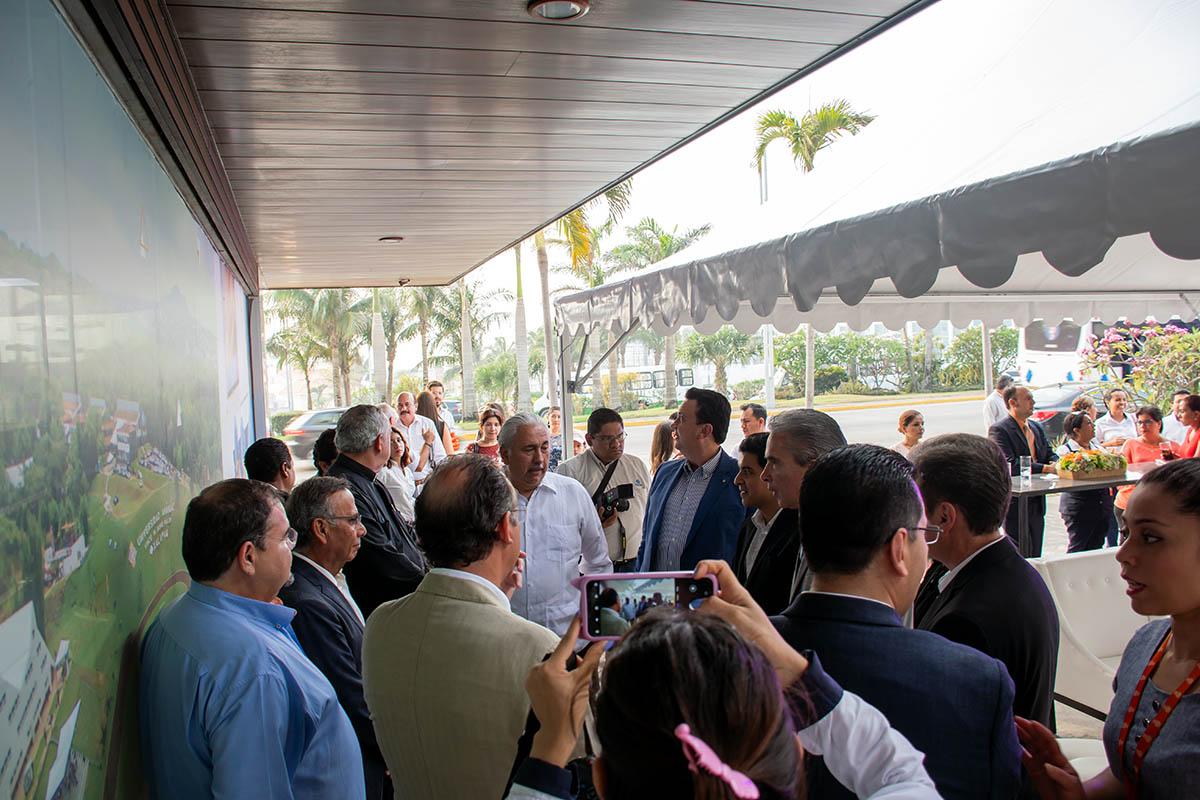 1 / 10 - La Universidad Anáhuac acerca a Veracruz y Boca del Río un nuevo espacio de Atención y Capacitación