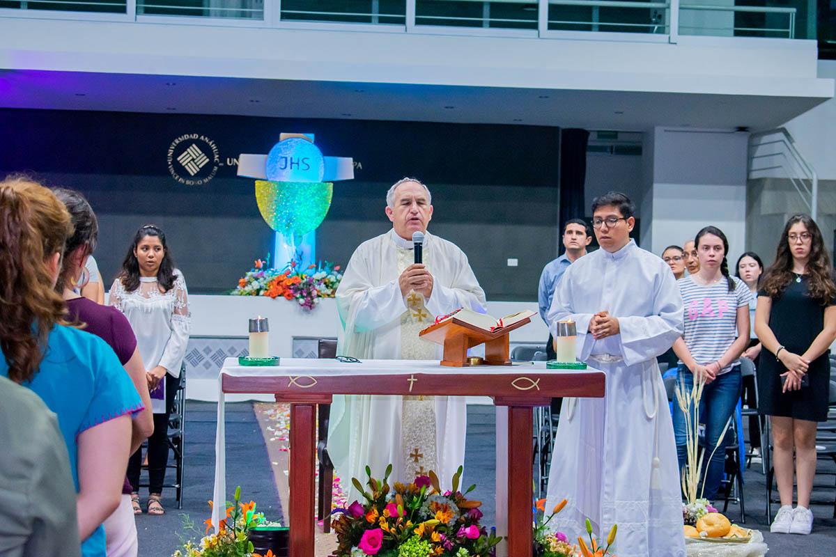 1 / 4 - El Cuerpo de Cristo es el Centro del Reto Heart of a Lion