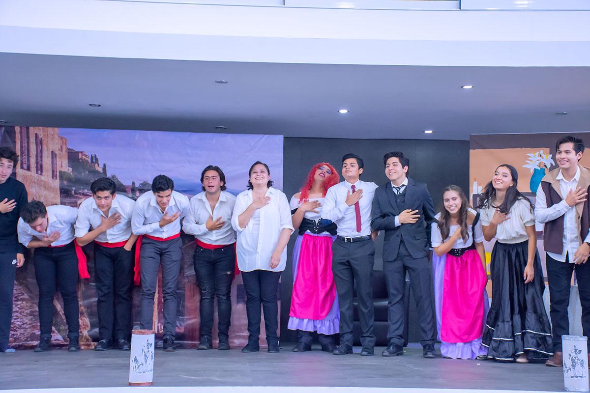 13 / 14 - Obra de Teatro: El Ingenioso Hidalgo Don Quijote de la Mancha