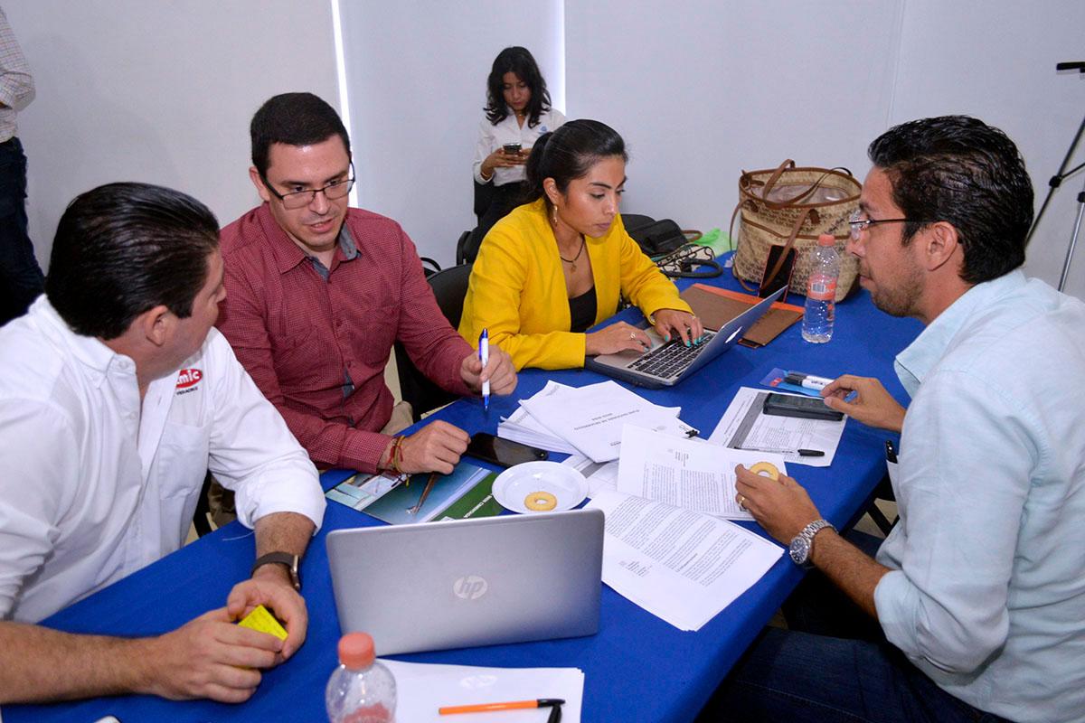 1 / 5 - Participación de la Universidad Anáhuac Xalapa en la Revisión del Plan Veracruzano de Desarrollo