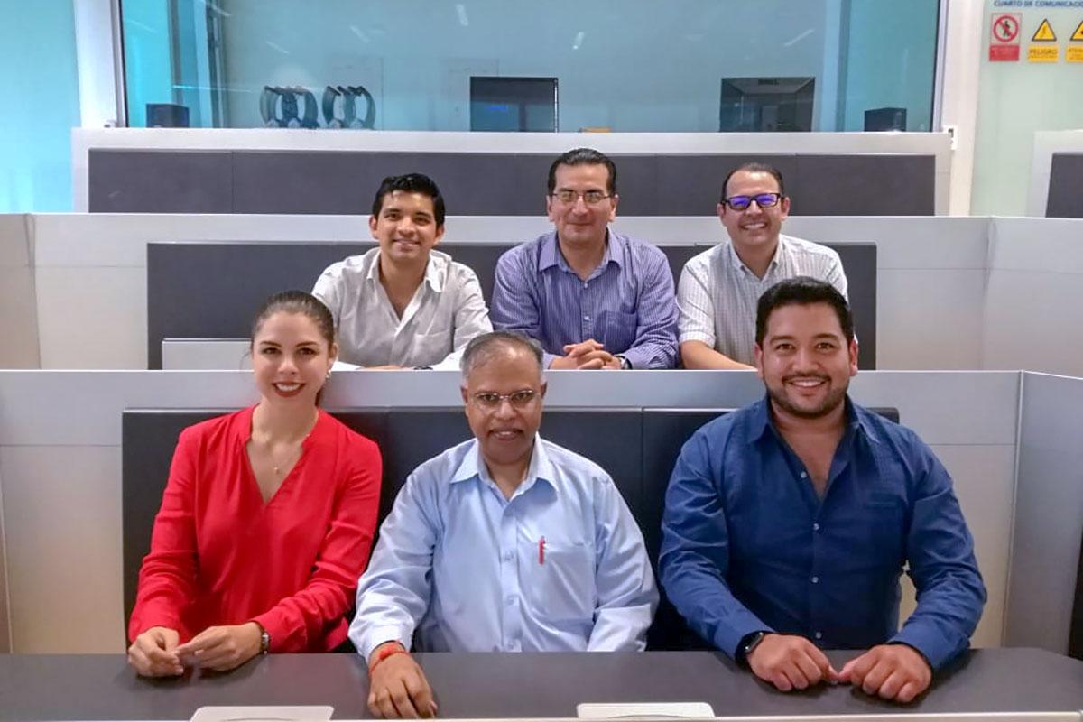 6 / 8 - Contingente del UNOCBA en visita al Puerto de Veracruz.